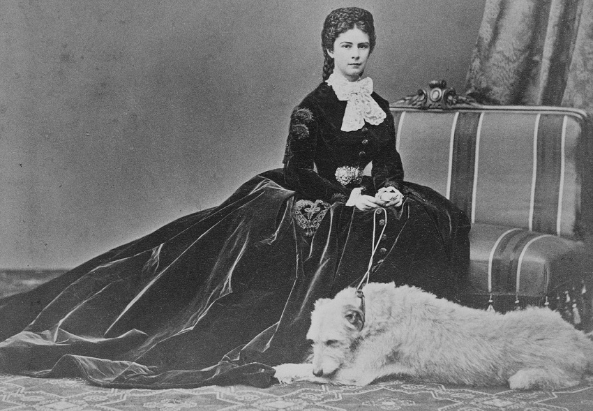 ELIZABET-IMPERATRITA-AVSTRII-1837-98-OKOLO-1860circa-1870-2.jpg