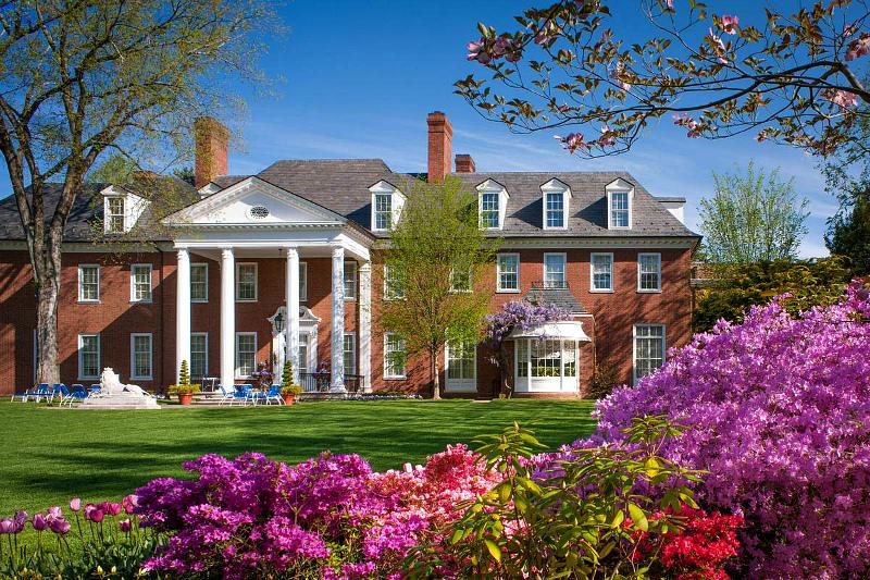 1-hillwood-museum-and-gardens-exterior-Maxwell-MacKenzie-2014.jpg