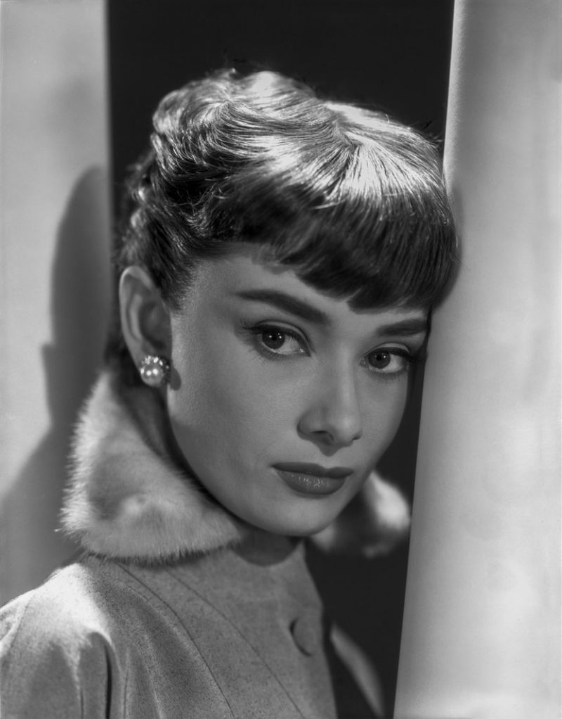Hepburn_Audrey_046_O_B_Fraker_Roman_1953-1.jpg