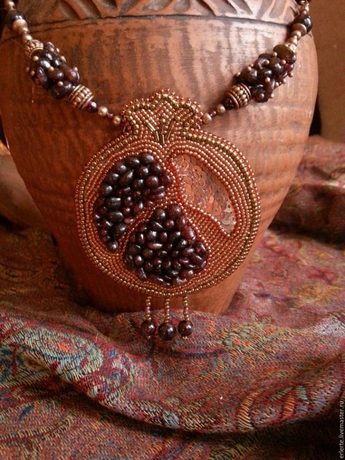 571d26819c19b8abc66358b431502f75--beaded-embroidery-beaded-jewelry.jpg